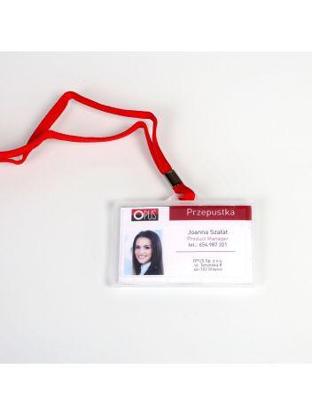 Identyfikator plastikowy twardy poziomy z taśmą na karty plastikowe - O.BADGE HOLDER - 55 x 90 mm - 50 sztuk - czerwony
